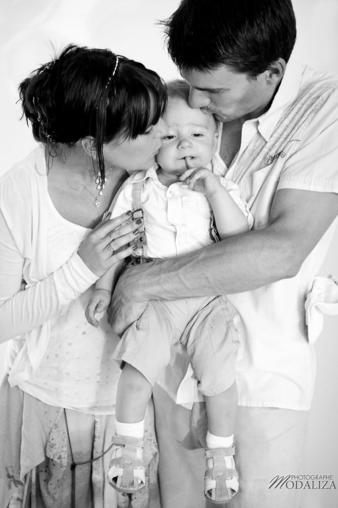 portrait famille modaliza photographemodaliza photographe. Black Bedroom Furniture Sets. Home Design Ideas