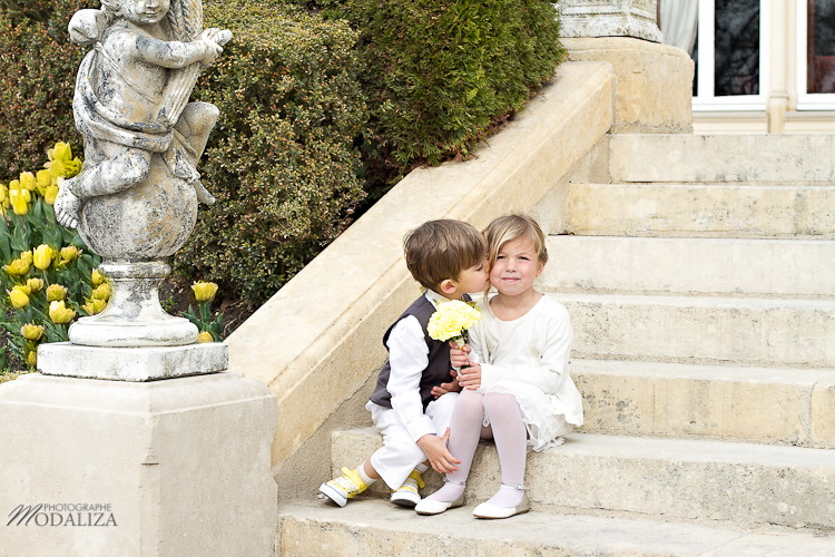 photo cérémonie enfants mariage jaune amour d'enfance little wedding yellow bordeaux chateau pape clement by modaliza -6206