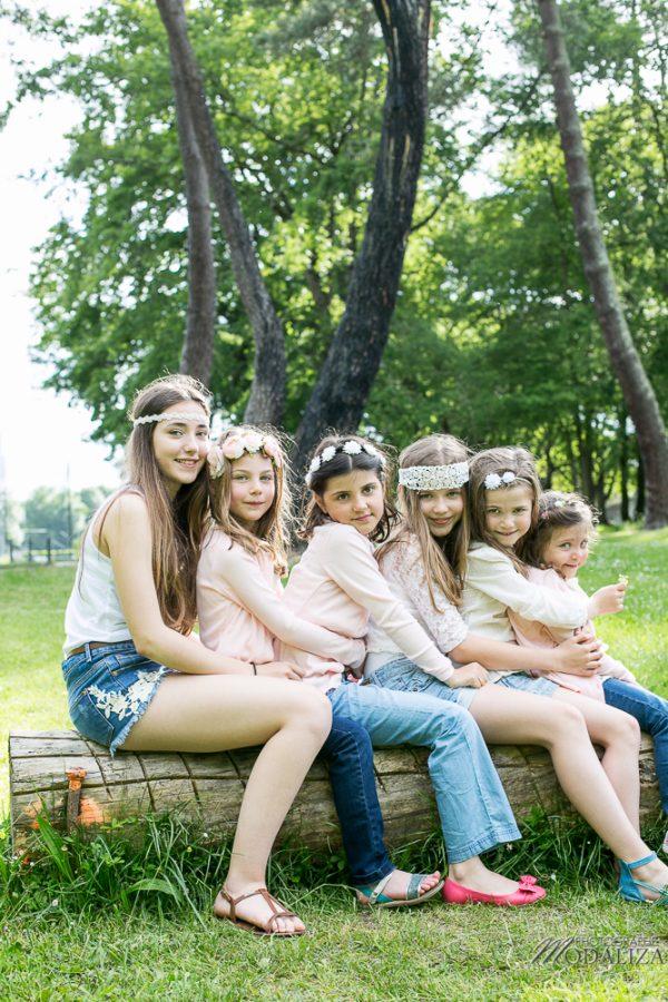 photo-famille-girls-groupe-filles-cousines-soeurs-sisters-family-boheme-parc-green-garden-jardin-bordeaux-by-modaliza-photographe-4201-600x900