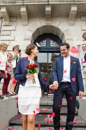 photographe mariage bretagne mairie st brieuc st quay portrieux robe mariee courte mage rose rouge by modaliza photographe 4917 - Photographe Mariage Saint Brieuc